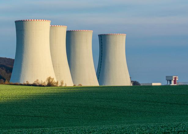 """""""Gdzie i kiedy elektrownia atomowa? Pierwszy blok w 2033""""."""