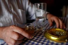 """Gazda kafane gostu rekao doneo piće i rekao mu: """"Kuća časti"""", pa mu uradio nešto što je saznao tek GODINU DANA KASNIJE"""