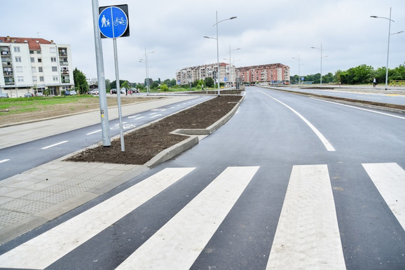 Bulevar Jovana Dučića, na kome su završeni radovi na proširenju i koji će spajati Novi Sad i Veternik