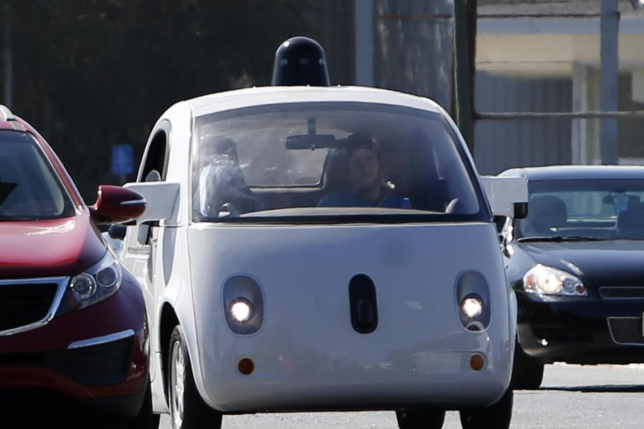 Google, Tesla, others wait for DMVs self-driving rules