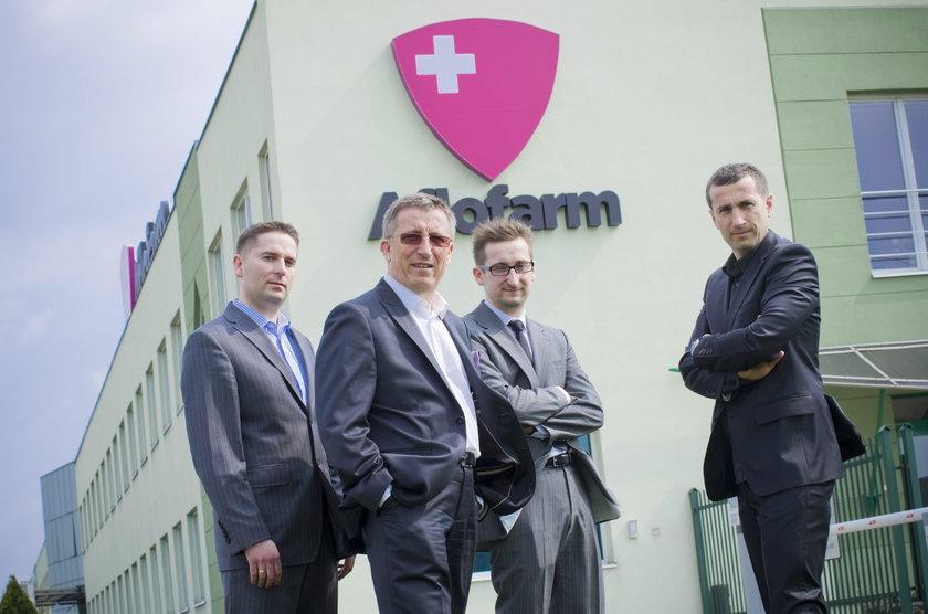 5. Wojciech Furman (pierwszy z lewej, 40 l., 646 milionów zł) i 5. Tomasz Furman (pierwszy z prawej, 35 l., 646 milionów zł)