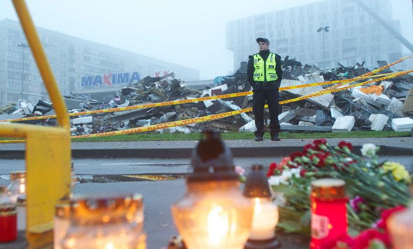 Łotwa: Runął dach supermarketu