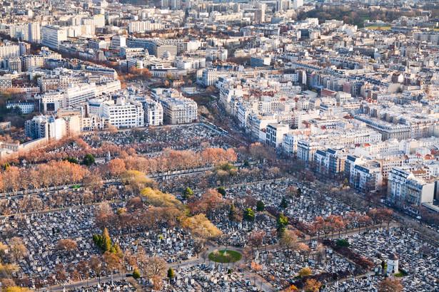 Zdaniem większości osób posiadających mieszkania w okolicach cmentarza, jego bliskość nie zaburza komfortu zamieszkiwania.