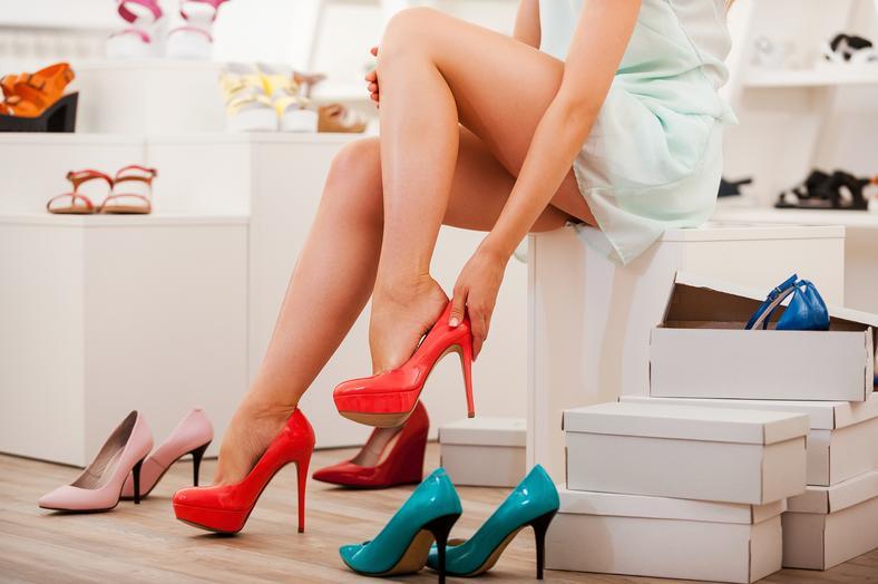 Jak Rozchodzic Nowe Buty I Uniknac Odciskow Moda