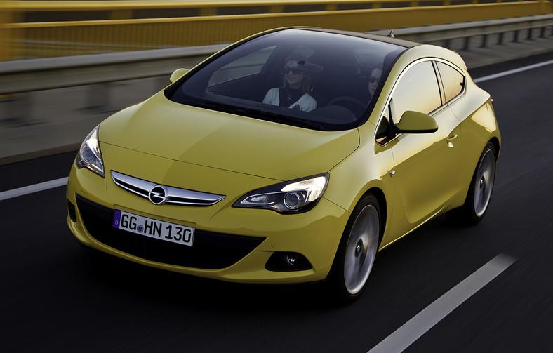 Opel astra GTC z panoramiczną szybą i nowymi silnikami