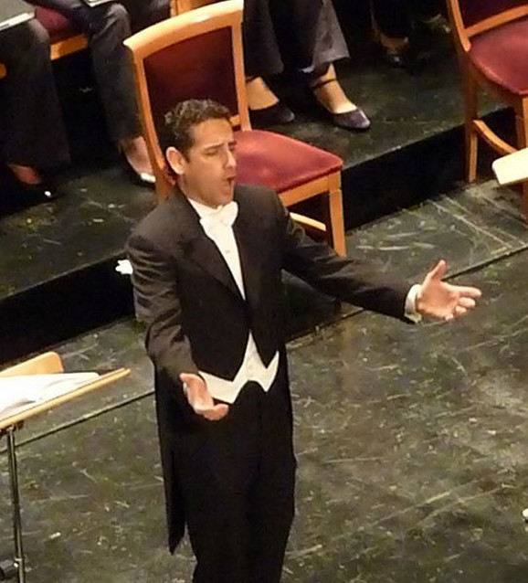 Huan Dijego Flores, peruanski tenor