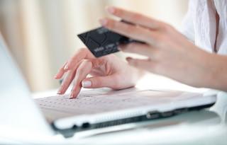 Reynders: Ochrona unijnych konsumentów musi iść z duchem czasu [OPINIA]