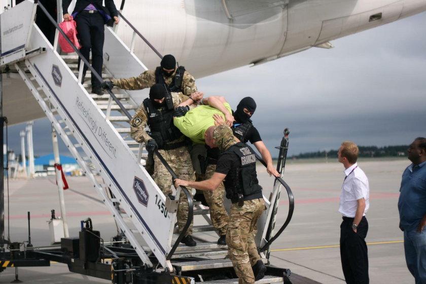 Pijany Łotysz awanturował się na pokładzie samolotu