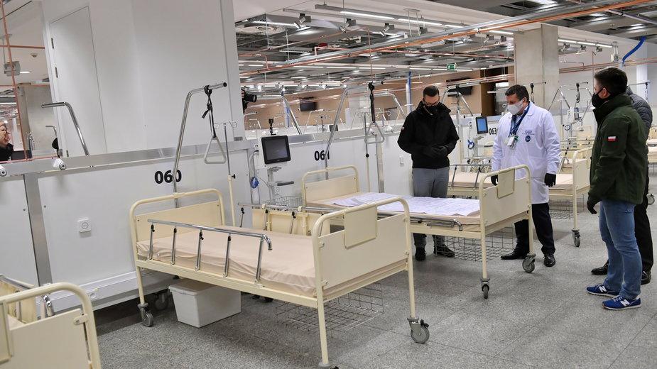 Premier w szpitalu na Stadionie Narodowym