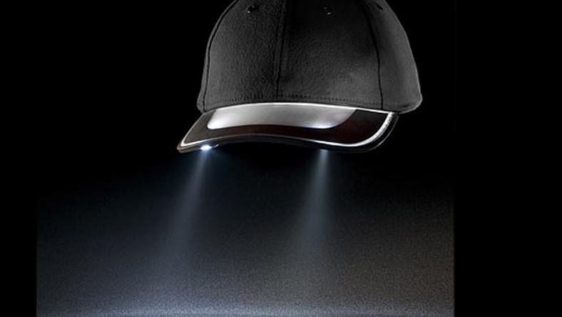 Świecąca czapeczka pomoże trafić do domu