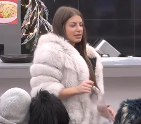 ŠOKANTNO: Dragana Mitar osvanula na PORNO SAJTU, eksplicitni kadrovi!