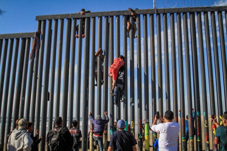 Meksiko zid granica, EPA - JOEBETH TERRIQUEZ