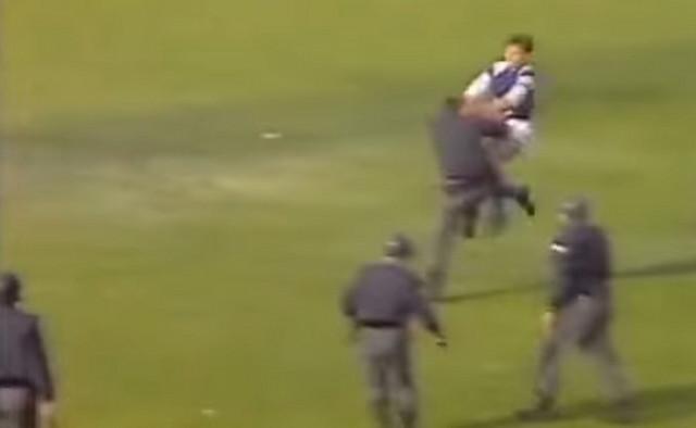Boban napada policajca