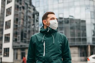 Nowy wariant koronawirusa: Czy maseczki z materiału chronią przed zakażeniem?