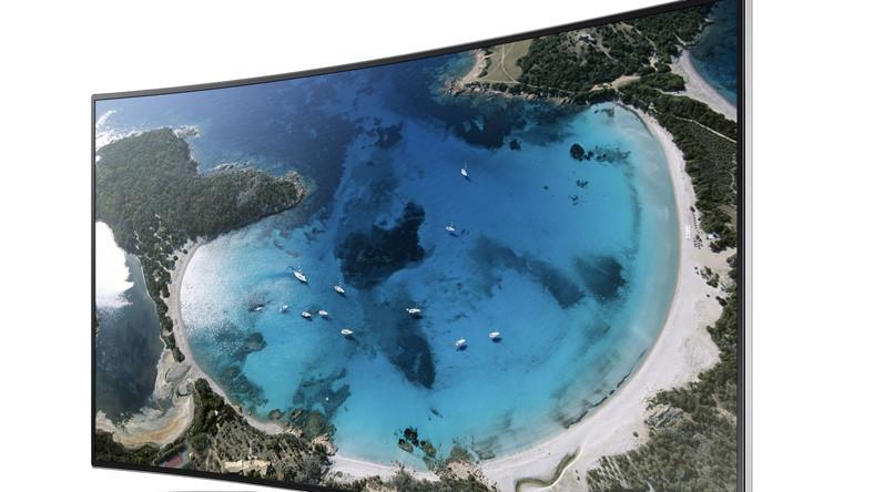 H800 to pierwszy wygięty telewizor Samsunga, jaki trafi do Polski.
