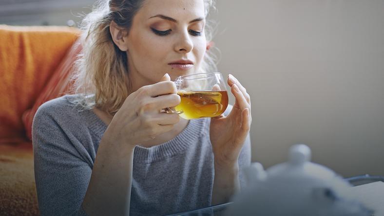 Picie gorącej herbaty zmniejsza ryzyko jaskry