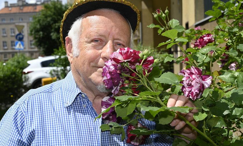 Róże i poezja to pasje pana Tadeusza.