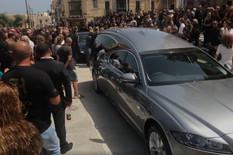 """SAHRANJEN """"KRALJ MALTE"""" KOG JE UBIO SRBIN Na ispraćaju milioneru i političari, hiljade ljudi ispred crkve opelo gledalo PREKO VIDEO-BIMA"""