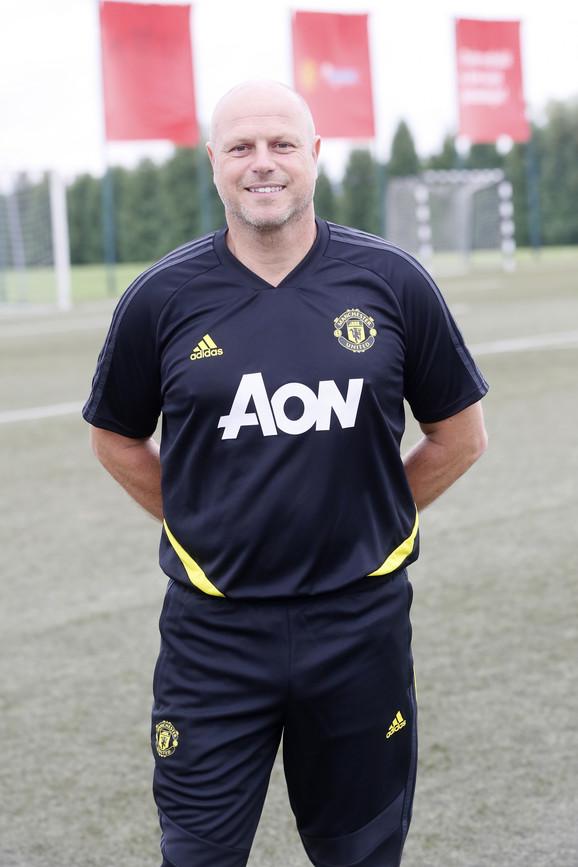 Robin van der Lan, glavni trener Mančester junajted škole