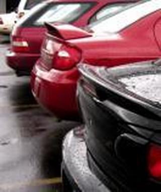 Jak bezpiecznie cofać i parkować?