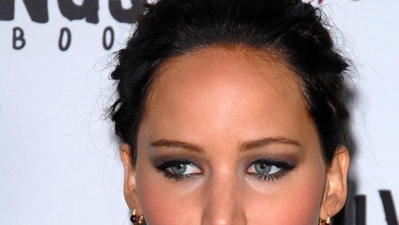 Jennifer Lawrence niczym szmaciana lalka
