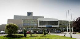 Zmarł pod szpitalem w Sosnowcu, zwłoki znaleźli po 14 miesiącach!