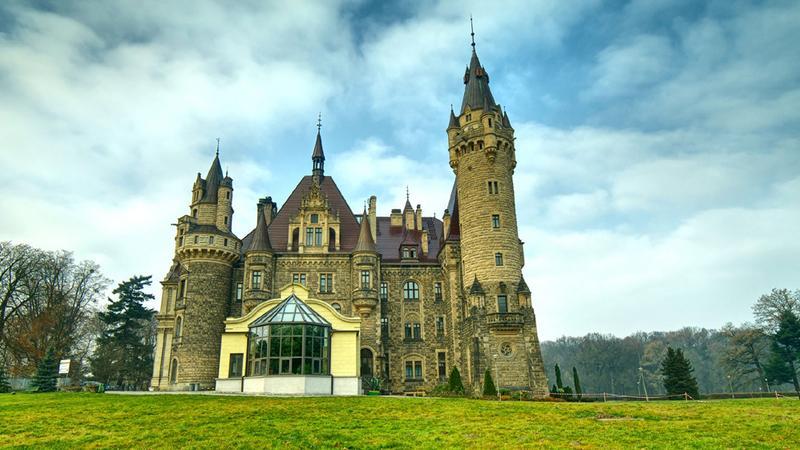 Moszna, zamek