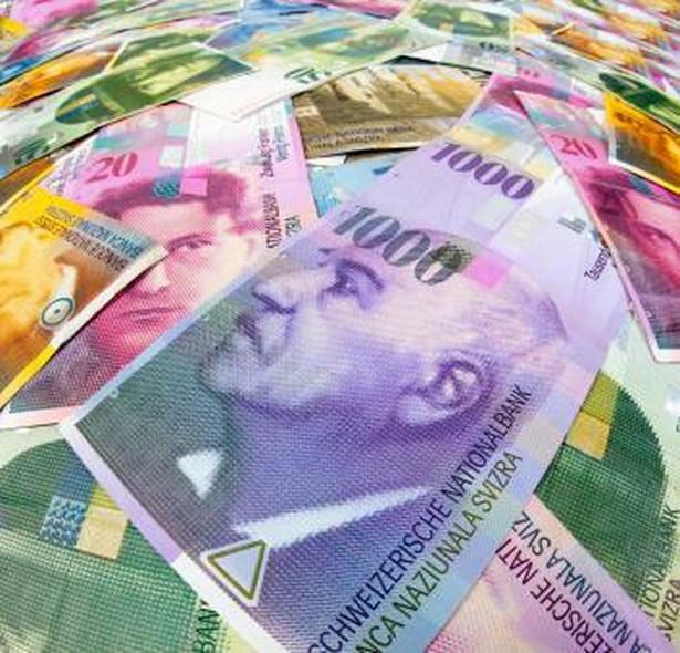 Najważniejszymi klientami kantorów są kredytobiorcy frankowi, którzy łącznie są winni bankom ponad 194 mld zł.