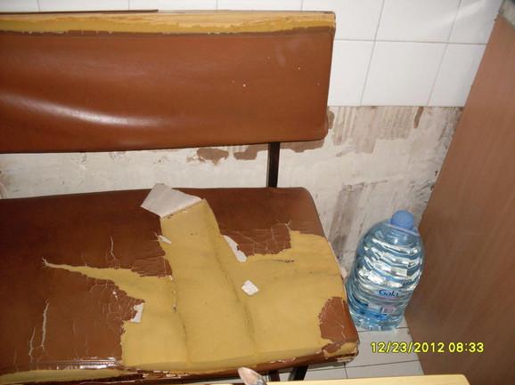 U Klinici ne može da se nađe ni cela stolica