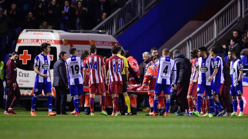 Fernando Torres opuszcza murawę na noszach