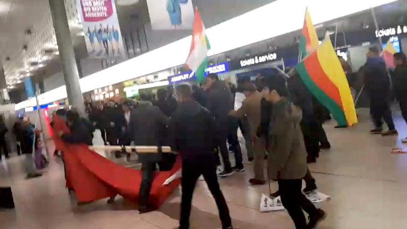 Bijatyka z udziałem 200 osób na lotnisku w Niemczech