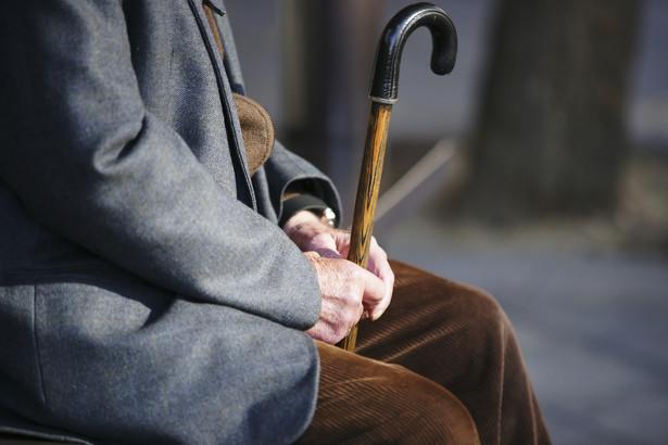 """""""Pamiętajmy, że kombatanci, weterani, to osoby, które mają średnio 92-93 lata i problemy ze słuchem są dla nich jednym z największych problemów"""""""