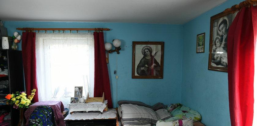 """Sześcioosobowa rodzina tłoczyła się w dwóch pomieszczeniach. Dzięki ekipie programu """"Nasz nowy dom"""" ich dom zmienił się nie do poznania!"""