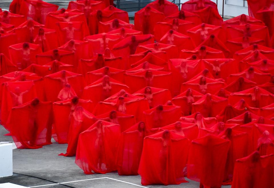 epa06874551 - AUSTRALIA ART SPENCER TUNICK (Spencer Tunick photographs 'Return of the Nude' for Prahran's Provocare festival)
