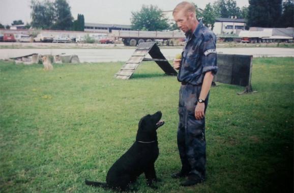 Laslo Modri i njegov prvi pas