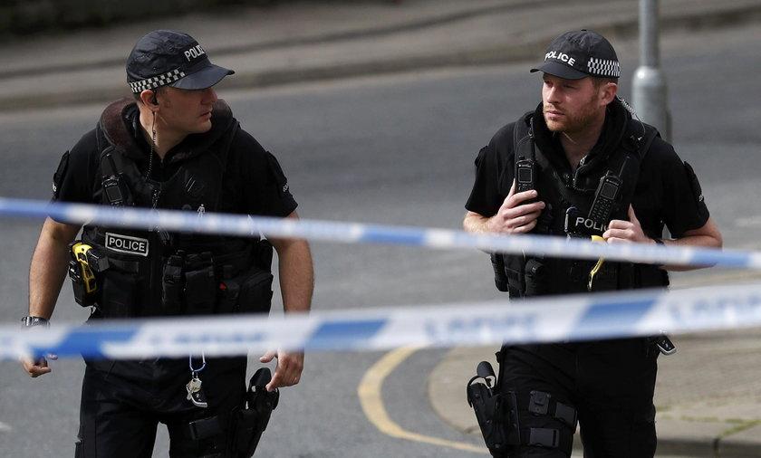 Dwaj Polacy zostali pobici przez grupę około 30 osób. W sprawie zatrzymano na razie 4 osoby