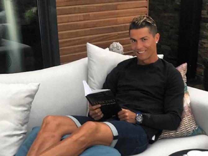 Kad su mu videli stopala, svima se okrenuo želudac: Milioni sada znaju Ronaldovu SRAMOTNU TAJNU