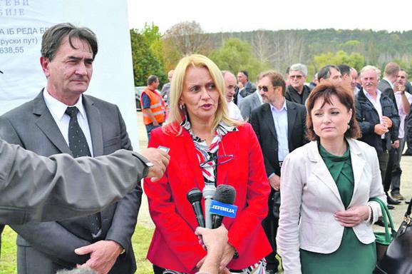 Direktorka Zorica Stanković (u sredini)