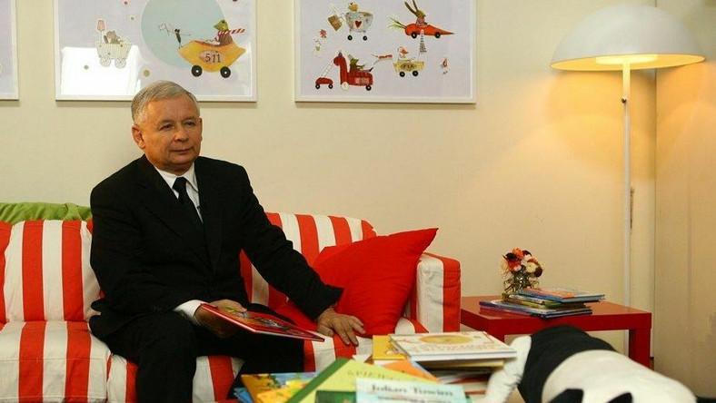 Jarosław Kaczyński przemawia do dzieci