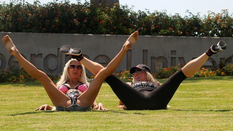 Suzie Malone i Frenchy Morgan
