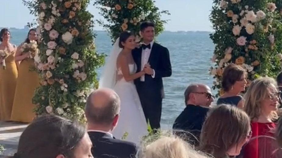 """To miała być niespodzianka na ślubie. """"Mój mąż by wyszedł"""""""