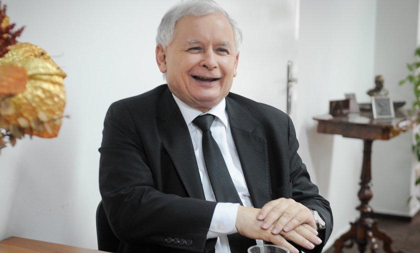 Wicepremier Jarosław Kaczyński. Pracując w rządzie dorabia do emerytury.