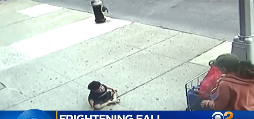 3-latek wypadł z okna na piątym piętrze. Przerażający film
