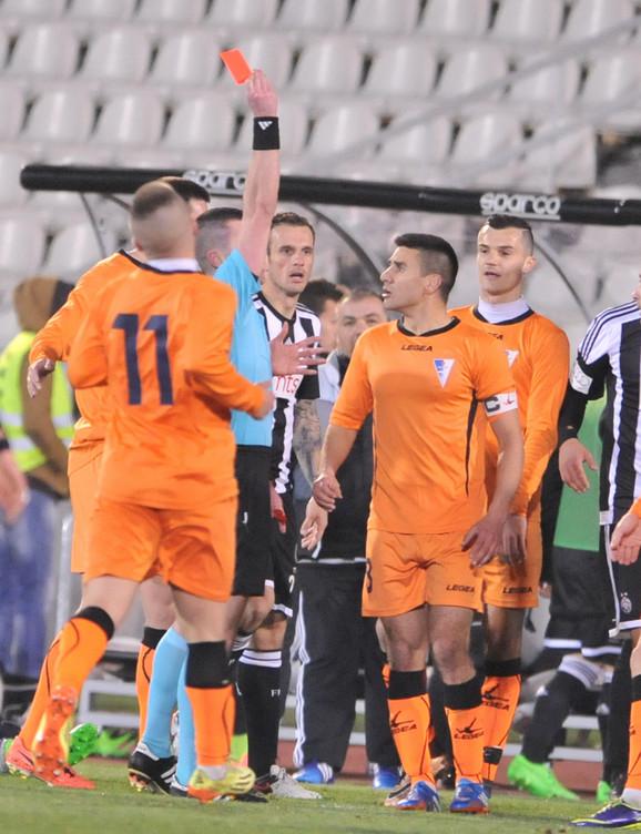Ni igrač više nije pomogao Partizanu: Tumbasević je pocrveneo u 45. minutu