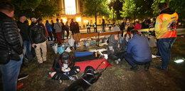 """Nocna pacyfikacja """"miasteczka"""" przedsiębiorców. Policja rozgoniła protestujących"""