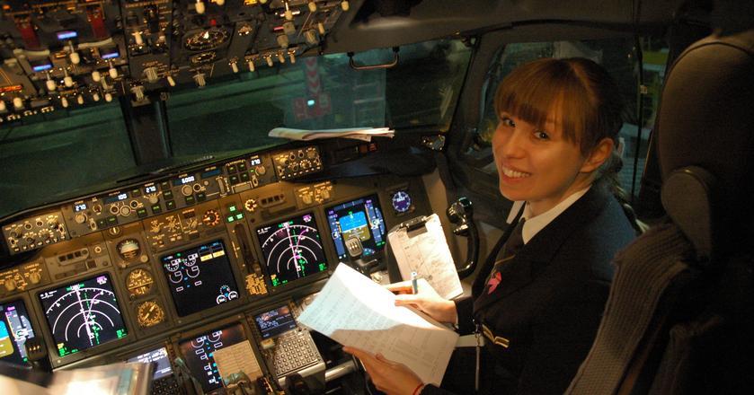 Magdalena Majcher pracuje jako pierwszy oficer w PLL LOT. Lata samolotami z rodziny Boeing 737