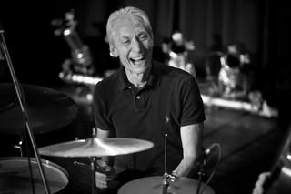 Perkusista The Rolling Stones nie żyje. Charlie Watts miał 80 lat