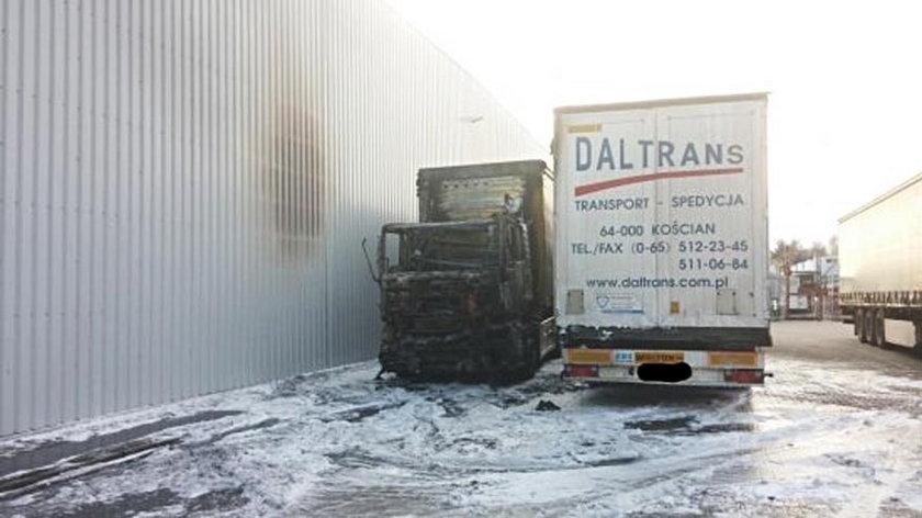Dwie ciężarówki spłonęły w Lesznie