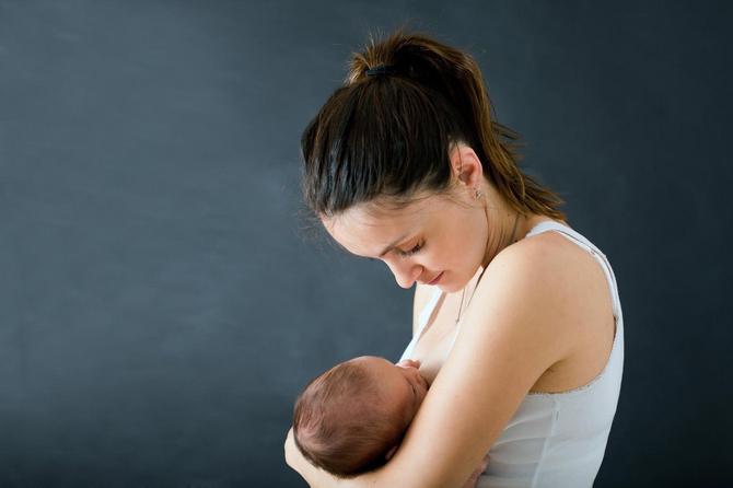 Naučite sve o dojenju