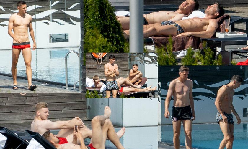 Co za widoki! Lewandowski i Szczęsny wylegują się na słońcu.